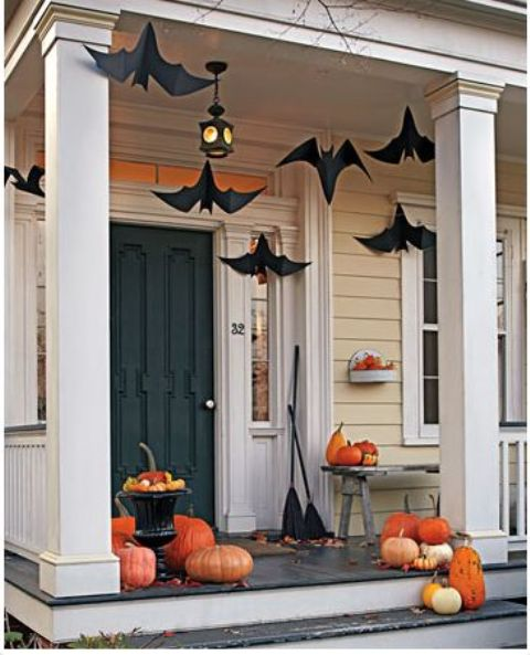 cool-halloween-front-door-decor-ideas-16