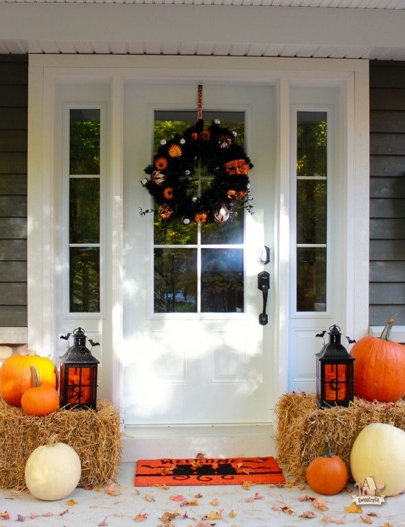cool-halloween-front-door-decor-ideas-17