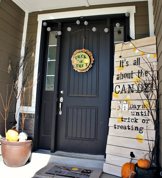 cool-halloween-front-door-decor-ideas-18