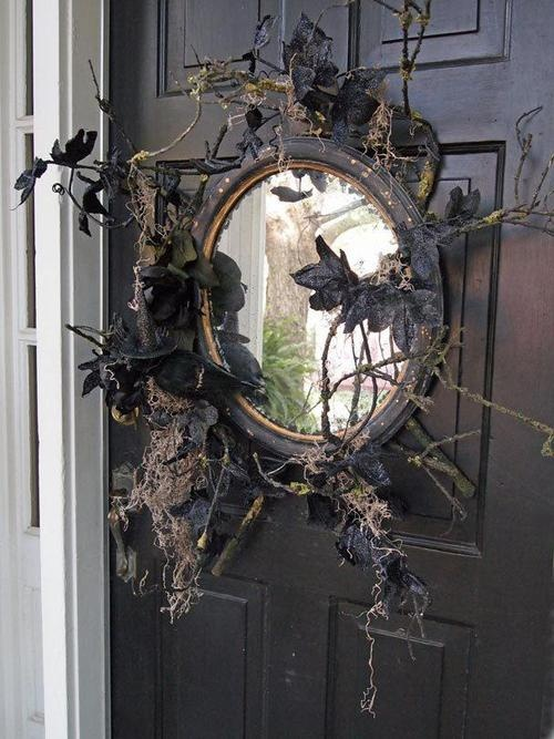 cool-halloween-front-door-decor-ideas-22