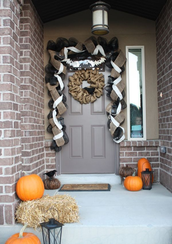 cool-halloween-front-door-decor-ideas-36