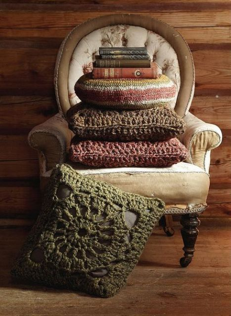 cozy-and-comfy-crochet-pieces-for-home-decor-14