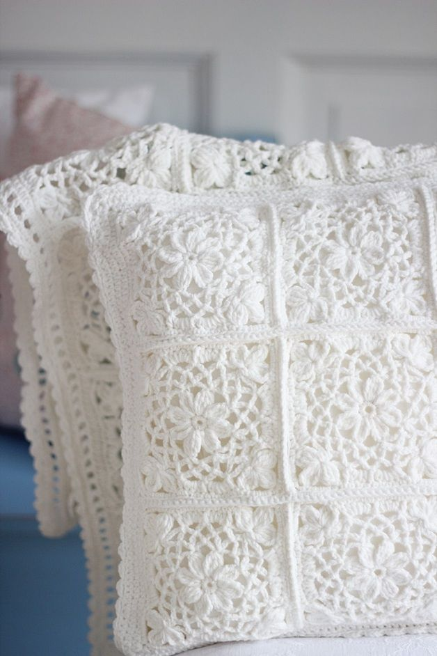 cozy-and-comfy-crochet-pieces-for-home-decor-25