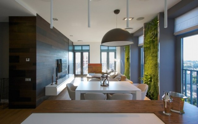 eclectic-elegant-apartment-with-green-walls-3