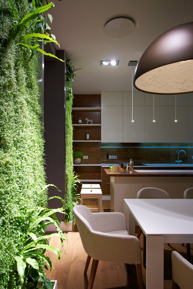 eclectic-elegant-apartment-with-green-walls-6