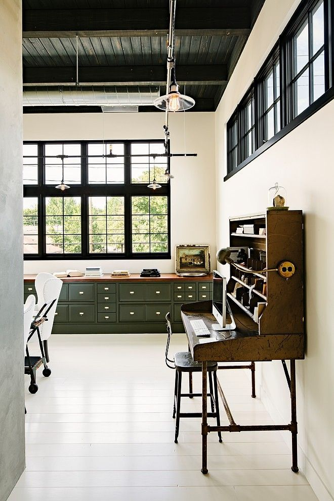 stylish-industrial-desks-for-your-office-10
