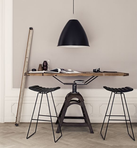 stylish-industrial-desks-for-your-office-16