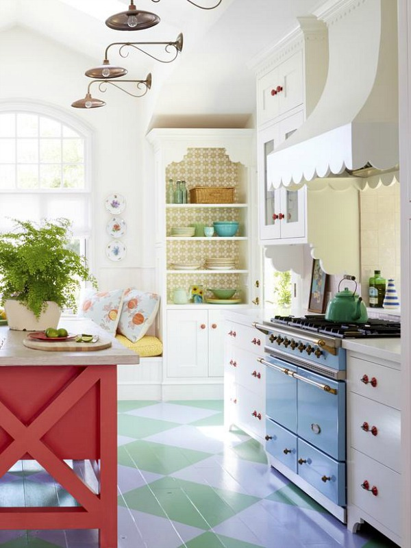 sweet-colorful-cottage-with-shabby-chic-furniture-13
