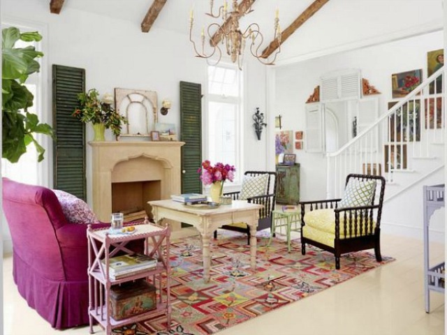 sweet-colorful-cottage-with-shabby-chic-furniture-4