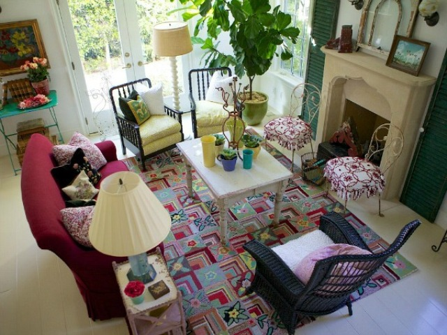 sweet-colorful-cottage-with-shabby-chic-furniture-5