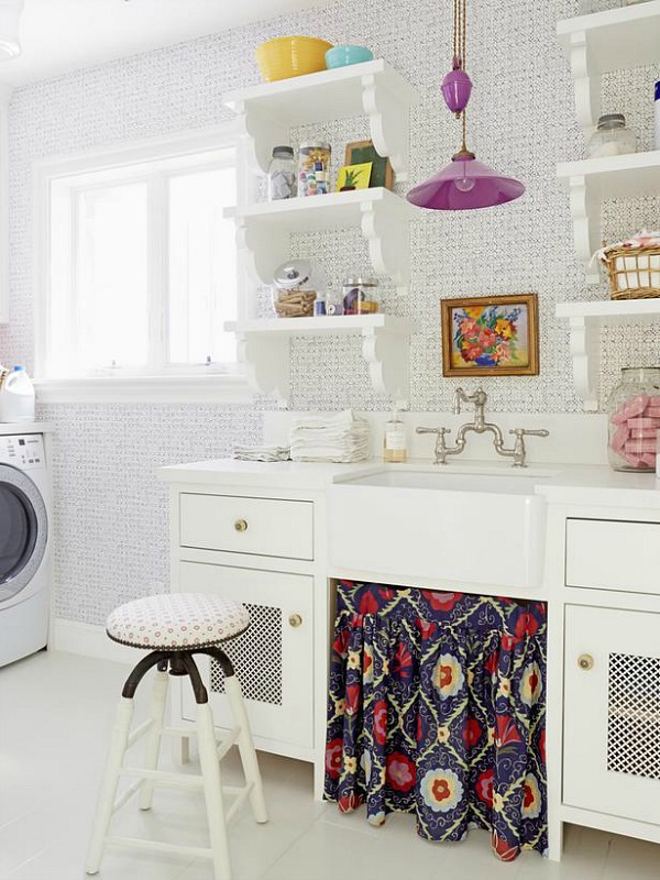 sweet-colorful-cottage-with-shabby-chic-furniture-9