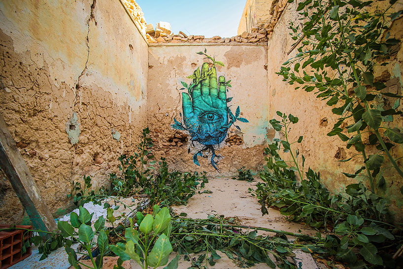 150-artists-tunisian-village-open-air-art-museum-designboom-05