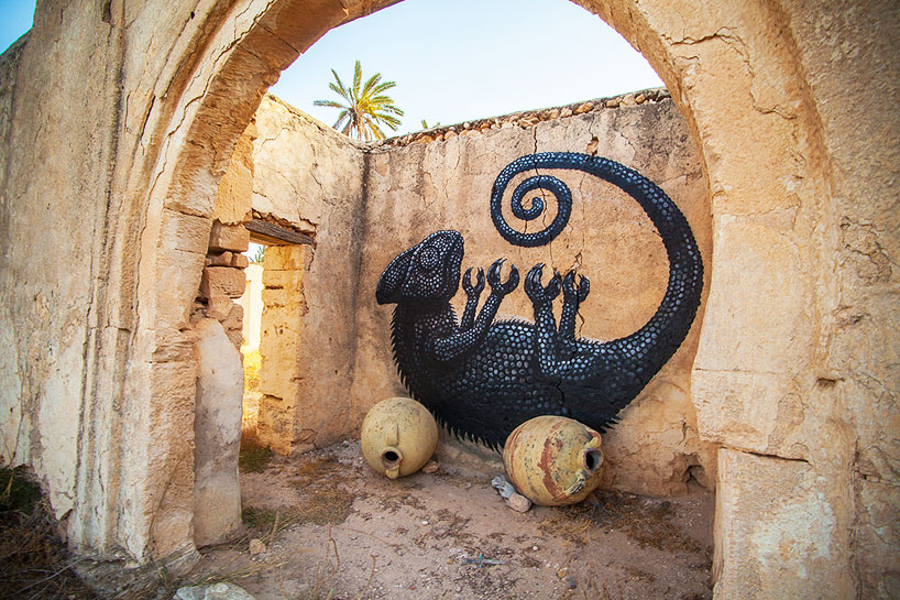 150-artists-tunisian-village-open-air-art-museum-designboom-07