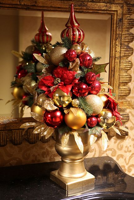 amazing-red-and-gold-christmas-decor-ideas-11