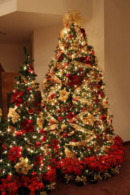 amazing-red-and-gold-christmas-decor-ideas-2