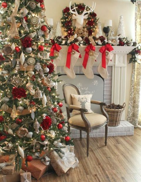 amazing-red-and-gold-christmas-decor-ideas-22