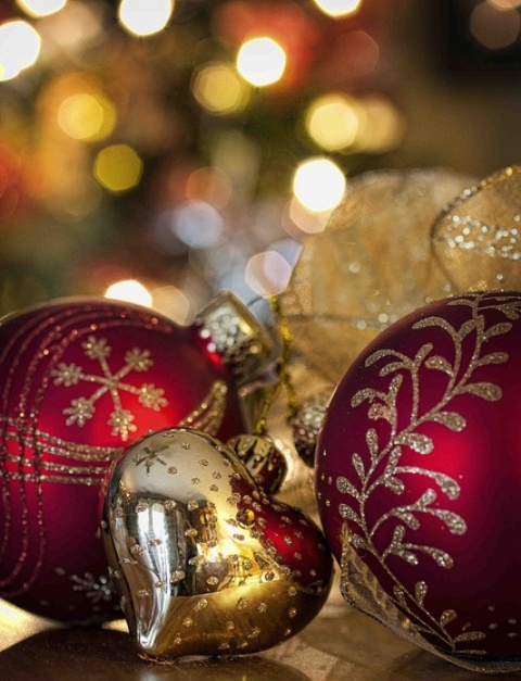 amazing-red-and-gold-christmas-decor-ideas-23
