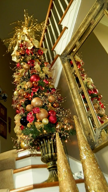 amazing-red-and-gold-christmas-decor-ideas-25