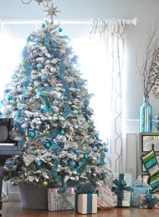 charming-silver-and-blue-christmas-decor-ideas-11