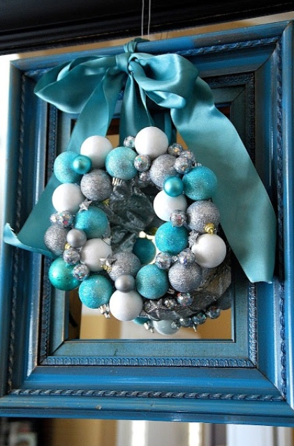 charming-silver-and-blue-christmas-decor-ideas-13