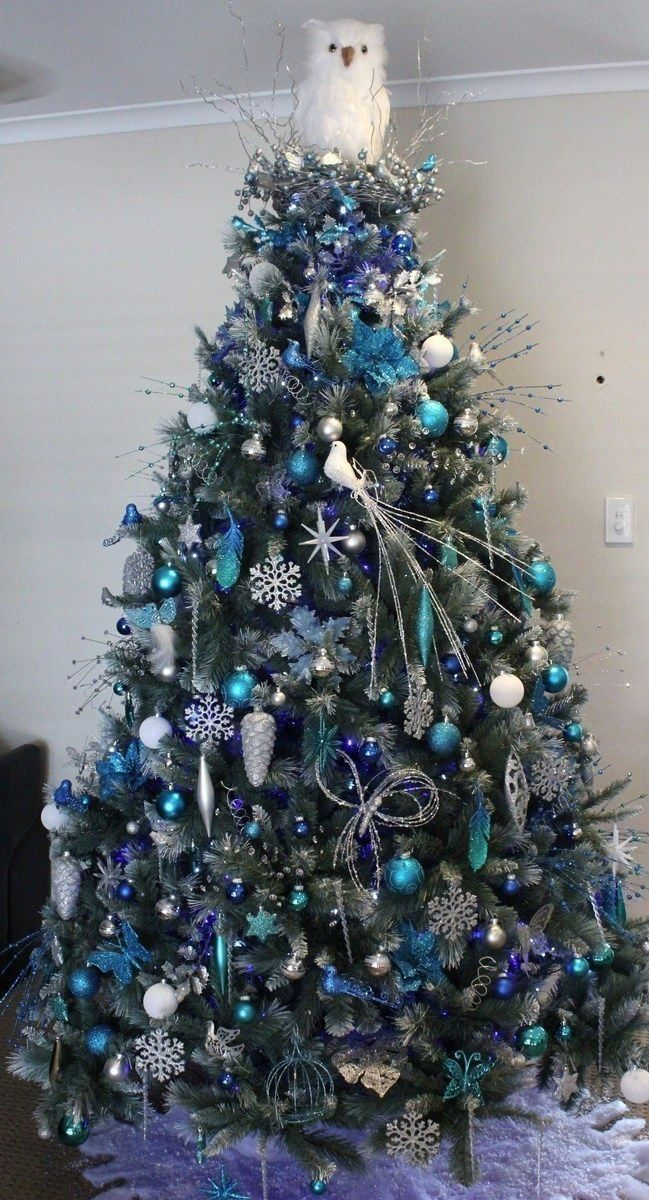 charming-silver-and-blue-christmas-decor-ideas-3