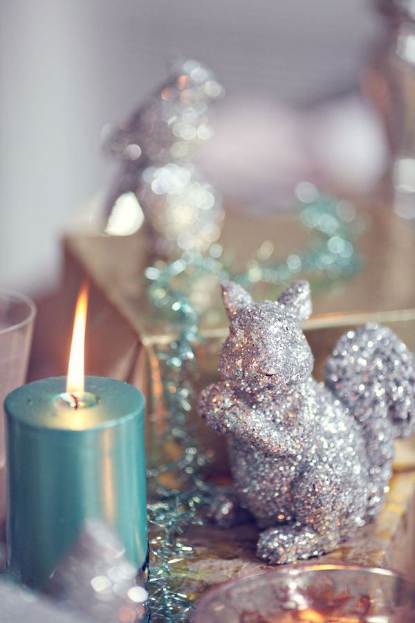 charming-silver-and-blue-christmas-decor-ideas-36