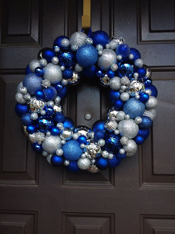 charming-silver-and-blue-christmas-decor-ideas-4