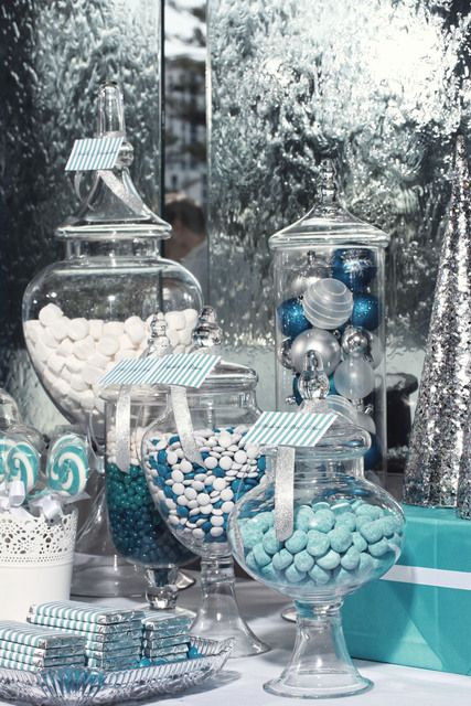 charming-silver-and-blue-christmas-decor-ideas-8