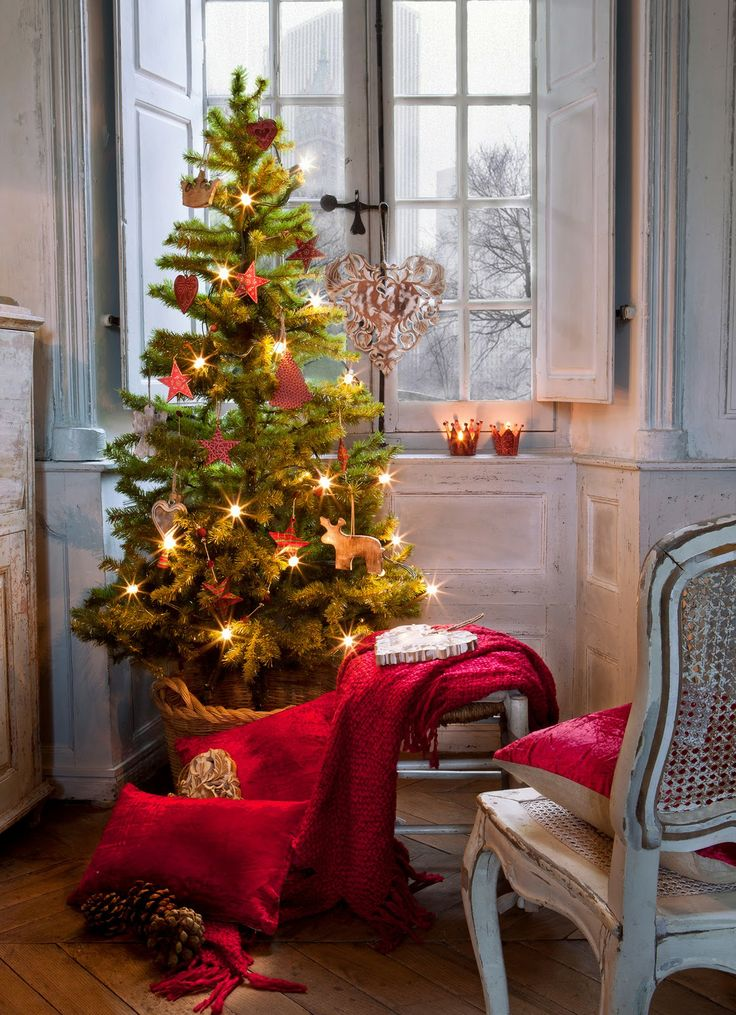 creative-hristmas-decor-ideas-for-small-spaces-22
