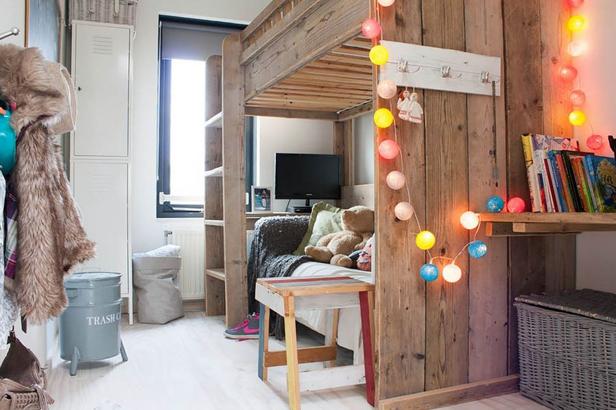 how-to-use-string-lights-for-your-bedroom-ideas-15