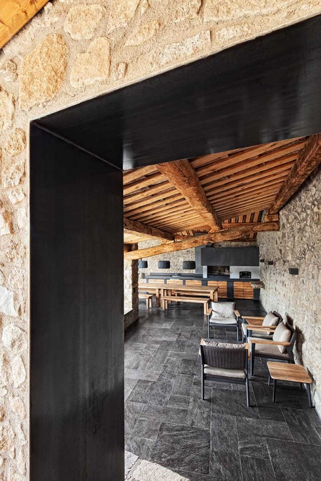 modern-home-with-stone-walls-and-wooden-beams-4