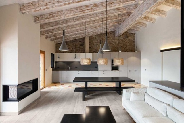 modern-home-with-stone-walls-and-wooden-beams-7