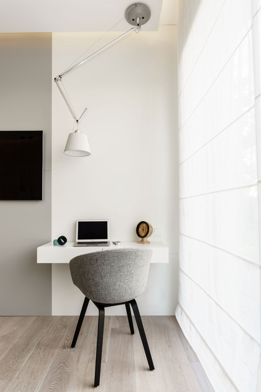 stylish-modern-apartment-with-bright-accents-and-smart-storage-10
