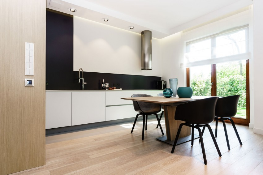 stylish-modern-apartment-with-bright-accents-and-smart-storage-5