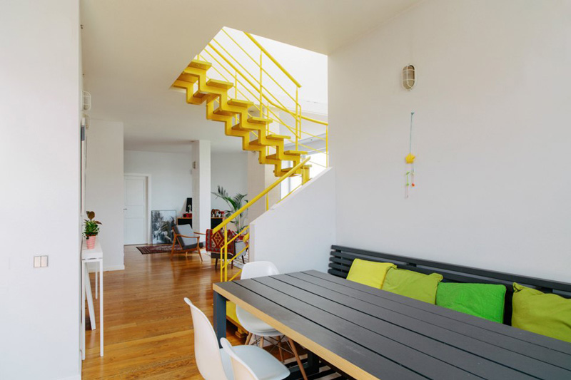 vivacious-two-storey-apartment-with-bright-accents-4
