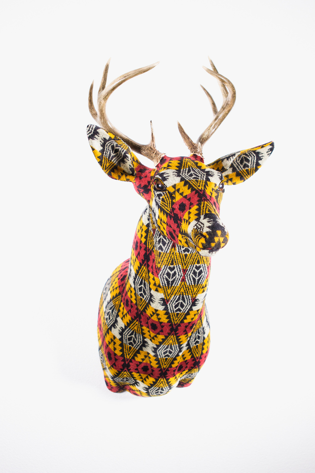 Patterned-Fabric-Trophy-1