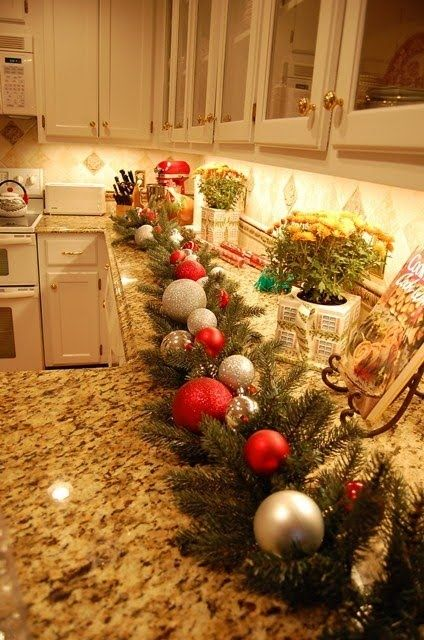 amazing-christmas-garlands-for-home-decor-13