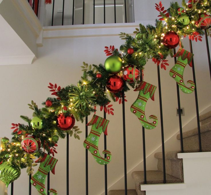 amazing-christmas-garlands-for-home-decor-7