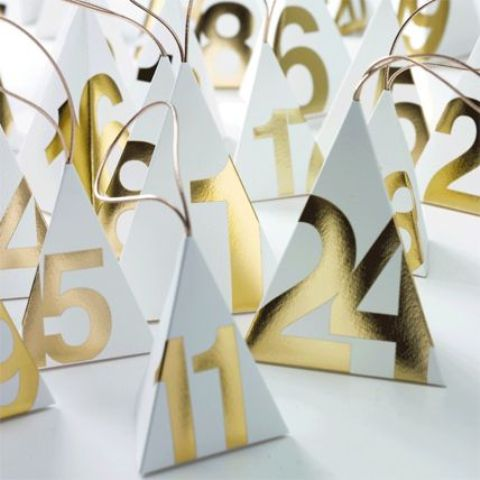 awesome-and-creative-christmas-advent-calendars-40
