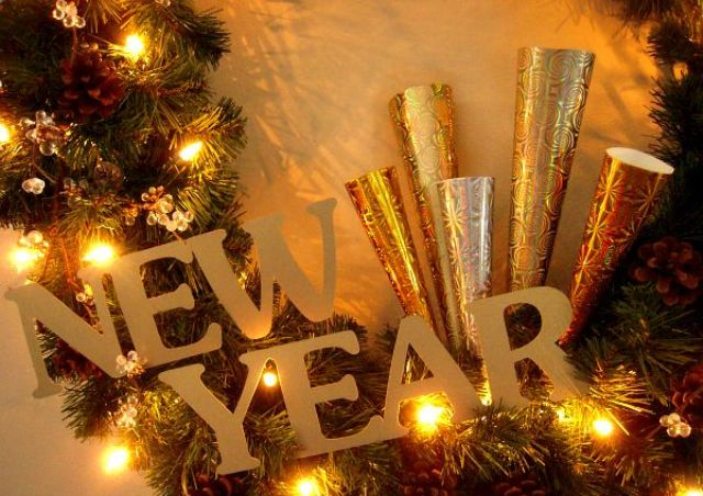 cheerful-new-year-party-decor-ideas-18