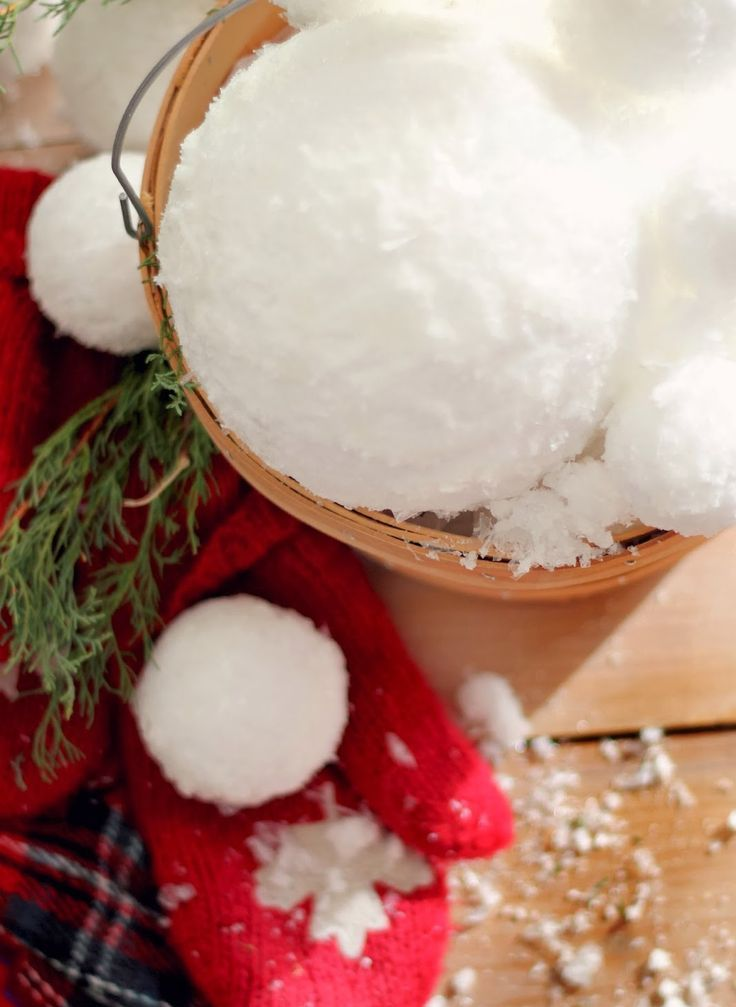 cute-snowball-decor-ideas-for-winter-holidays-10