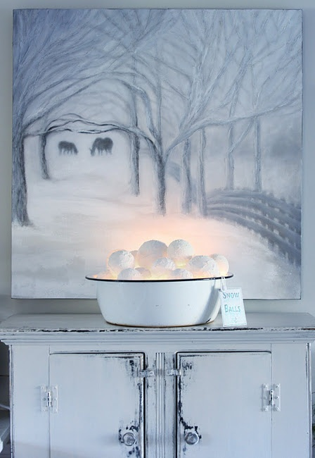 cute-snowball-decor-ideas-for-winter-holidays-11