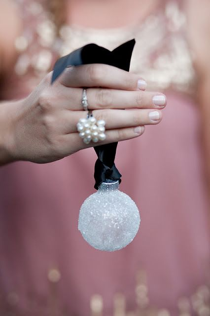 cute-snowball-decor-ideas-for-winter-holidays-17