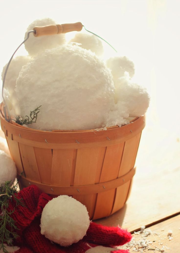 cute-snowball-decor-ideas-for-winter-holidays-23