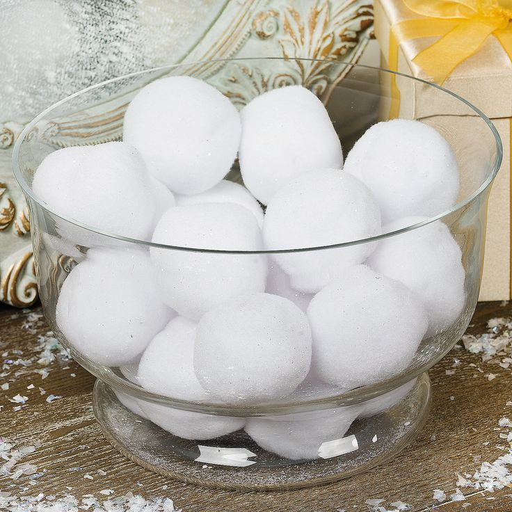 cute-snowball-decor-ideas-for-winter-holidays-26