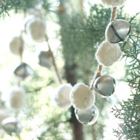 cute-snowball-decor-ideas-for-winter-holidays-28