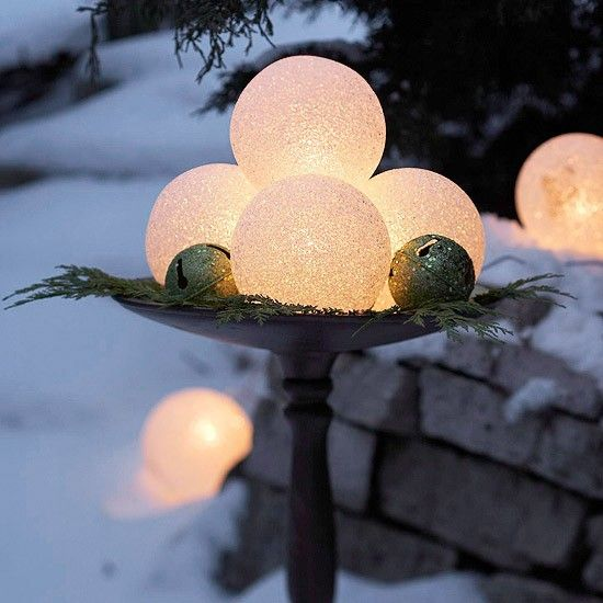 cute-snowball-decor-ideas-for-winter-holidays-30