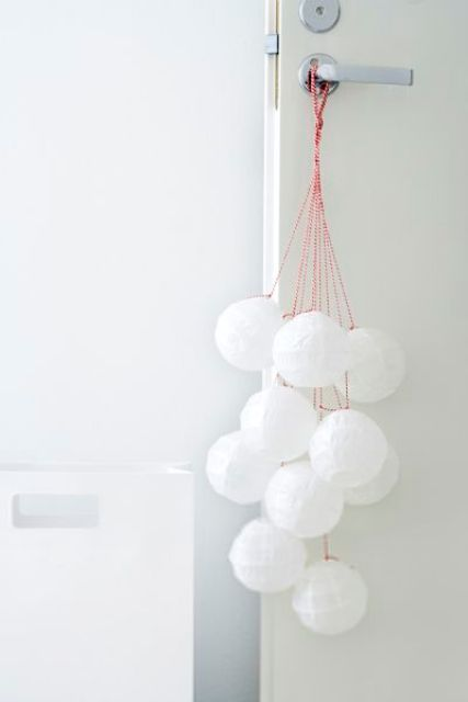 cute-snowball-decor-ideas-for-winter-holidays-33