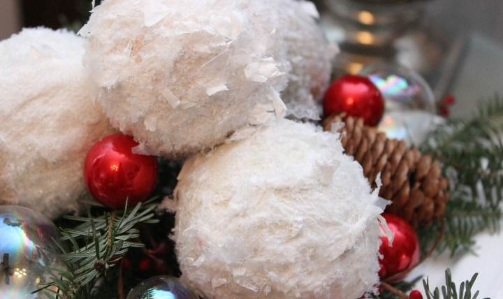 cute-snowball-decor-ideas-for-winter-holidays-4