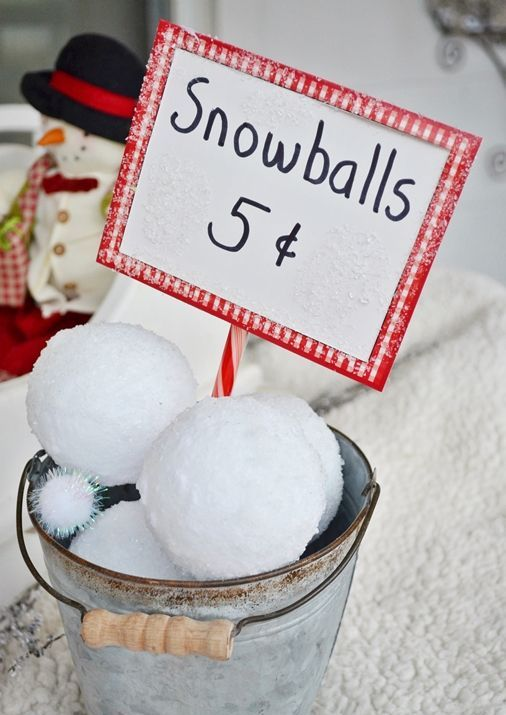 cute-snowball-decor-ideas-for-winter-holidays-8